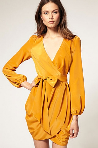 vestidos-de-moda-color-mostaza-2